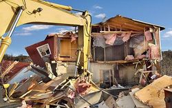 Bulldozer_house_1423077c